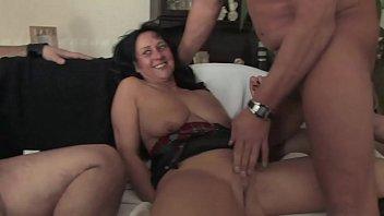 Free Version - Organisez une orgie entre échangistes, ils filment tout et apprécient les femmes comme des salopes